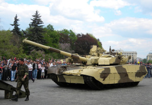 T-84_Oplat_guided_onto_a_tank_transporter