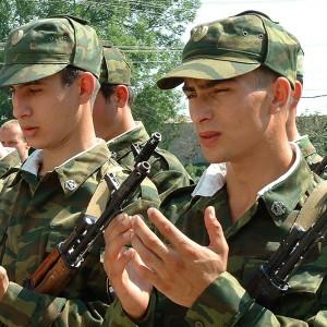 Чеченцев призвали в армию