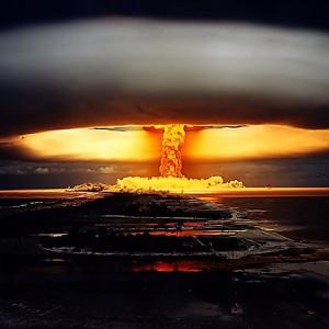 Почему в России любят ядерную бомбу и к чему это ведет
