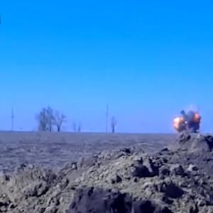 Сепары пульнули из танка, и в мгновение получили смертельную ответку