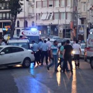 В Стамбуле в районе Шишли в баре произошла стрельба, в результате которой погиб один человек, трое — ранены