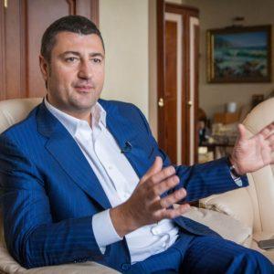 Олег Бахматюк передал Дворец Потоцких в муниципальную собственность