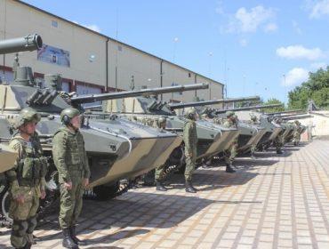 Воздушно-десантным войскам поставлен десятый батальонный комплект БМД-4М и БТР МДМ