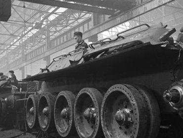 В тылу борьбы: как эвакуировали промышленность в начале войны